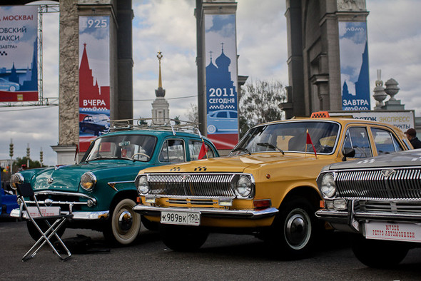 Универсальное поздравление: День города на московских улицах. Изображение № 6.