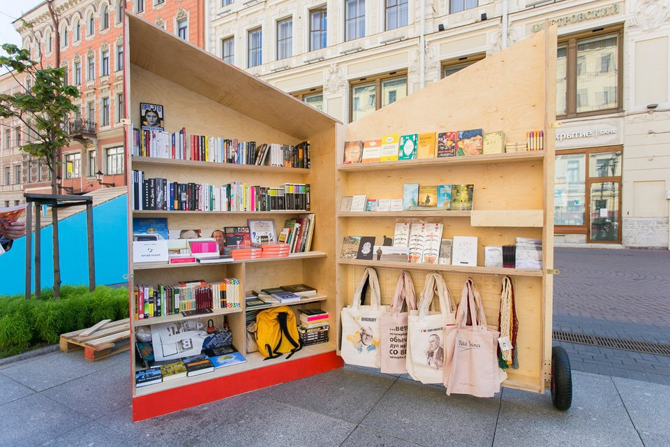 Как выглядит книжный квартал на Малой Конюшенной. Изображение № 2.