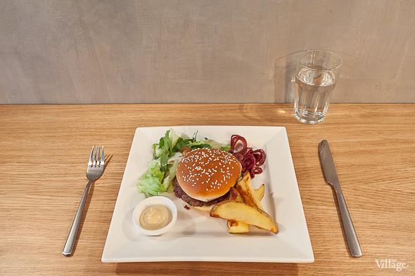 «Итальяно-бургер» — 270 руб.. Изображение № 22.