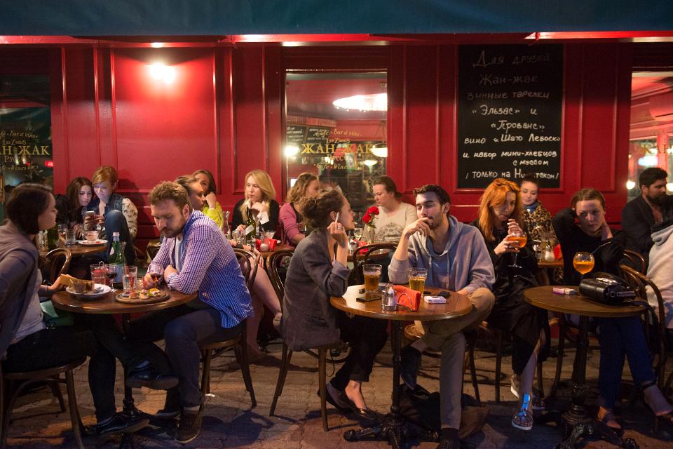Последний день курения в клубах, ресторанах ибарах. Изображение № 20.