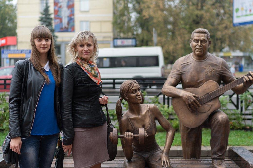 «Какая разница — Ленин или Расторгуев?»: Люберчане опамятнике группе «Любэ». Изображение № 4.