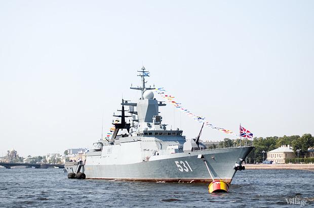 Фоторепортаж: День Военно-морского флота в Петербурге. Изображение № 3.