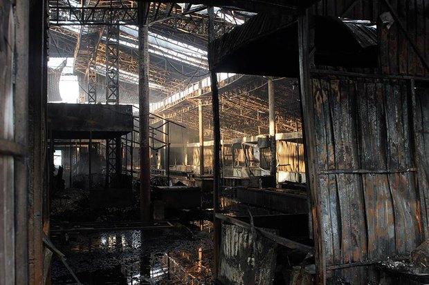 На рынке «Оболонь» выгорел весь торговый павильон. Зображення № 5.