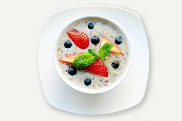 Завтраки дома: Каша изкиноа сминдальным молоком изкафе Fresh. Изображение № 1.
