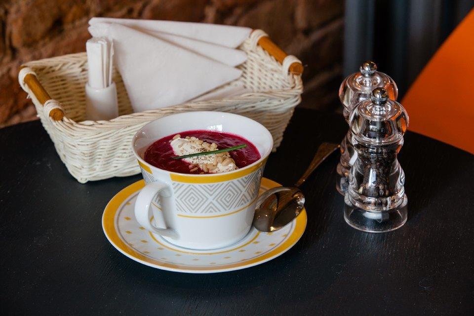 Свекольный крем-суп с творожным сыром и кедровыми орешками — 220 рублей . Изображение № 11.
