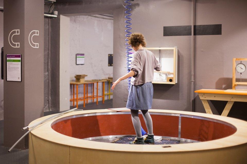 Ковёр-самолёт, самодельное цунами и конфета-мираж в новом здании музея «Экспериментаниум». Изображение № 10.
