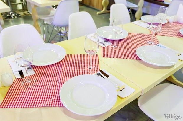 Новое место (Киев): Ресторан-дайнер «Желток». Зображення № 6.