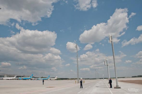 Фоторепортаж: В аэропорту Борисполь открыли самый большой на Украине терминал. Зображення № 36.