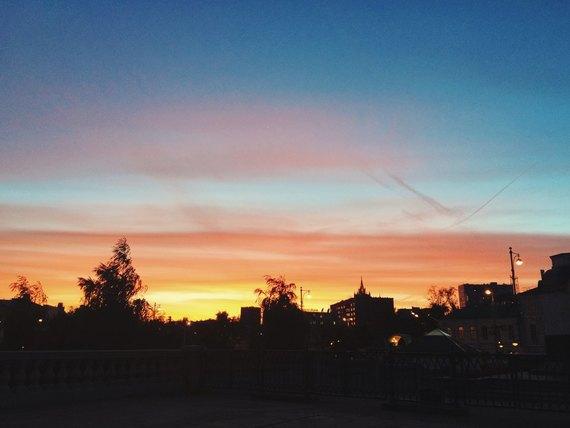 Осенний закат вМоскве. Изображение № 16.