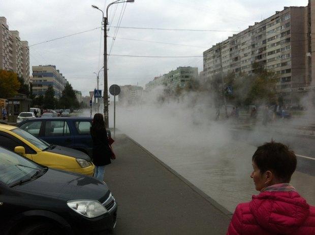 Прорыв теплосети наулице Маршала Казакова . Изображение № 1.