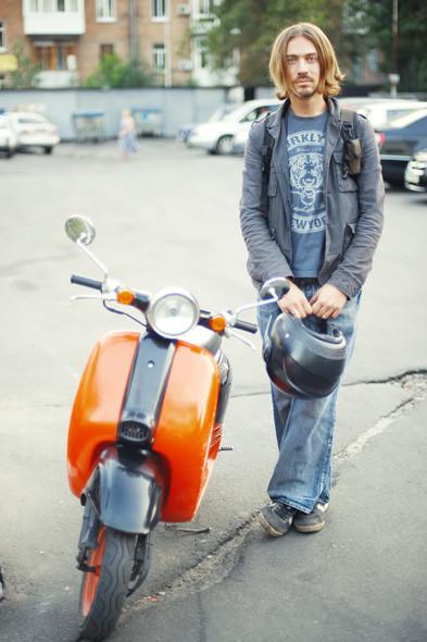 Имеем права: Водители мопедов о регистрации транспорта и безопасности. Зображення № 41.