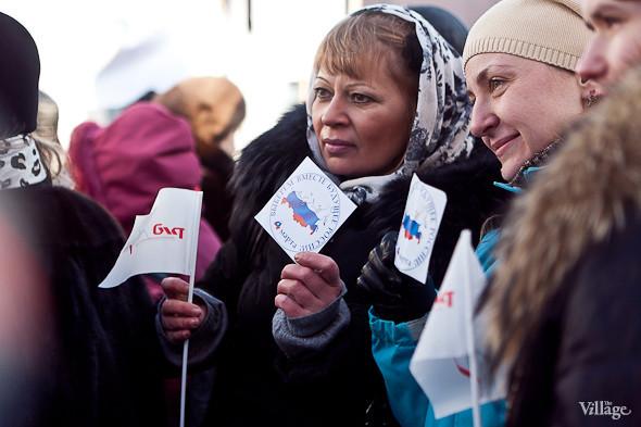 Фоторепортаж: Митинг в поддержку Путина в Петербурге. Изображение № 35.