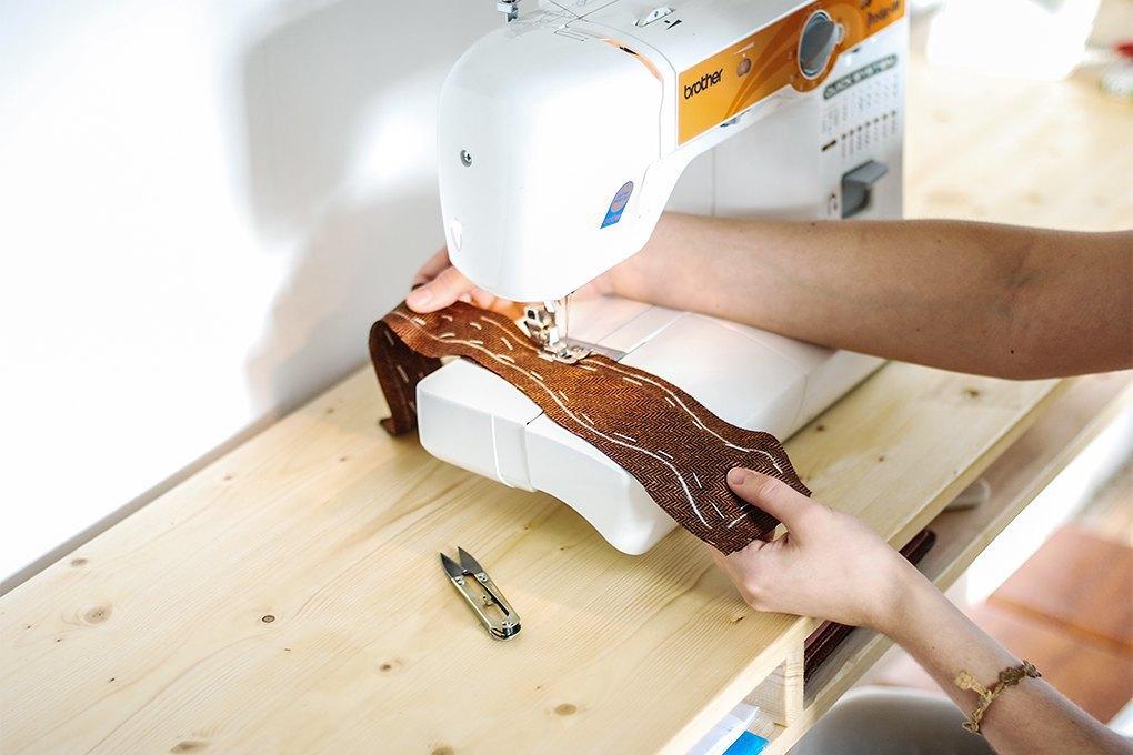Chehov: Как производство галстуков превращается вателье. Изображение № 17.