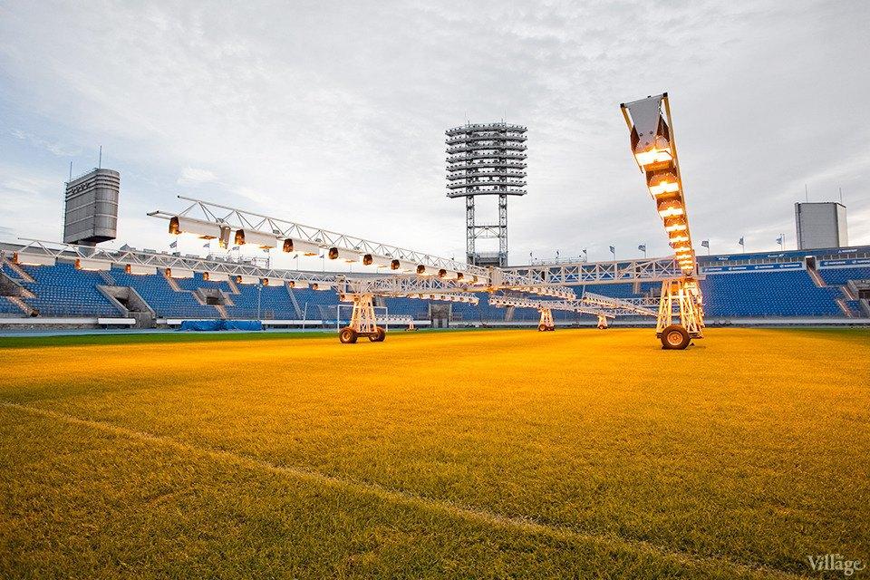 По газону не ходить: Работа агронома нафутбольном стадионе . Изображение № 5.