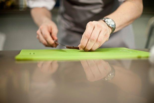 Шеф дома: Ягненок, хумус иоблепиховый десерт шефа «Стрелки». Изображение № 112.