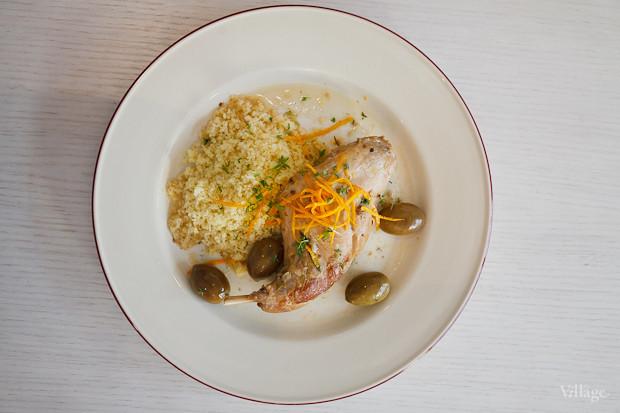 «Лаврано» (ножка кролика, томлённая с маслинами, оливками, специями и кус-кусом) — 470 рублей. Изображение № 25.