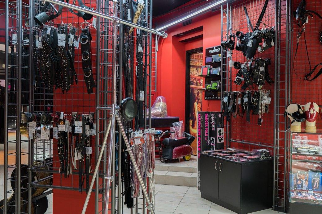 Лучшие секс-шопы Москвы: Куда идти за боа в перьях, стеками иновыми впечатлениями. Изображение № 33.