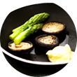 Omnivore Food Festival: Алекс Жилюк готовит картофельные оладьи с чёрной икрой и баллотин из ягнёнка. Изображение №25.