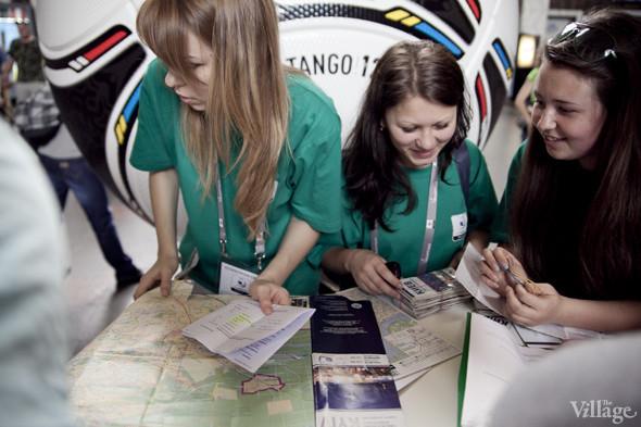 Люди в зелёном: Волонтёры — о гостях Евро-2012. Зображення № 20.