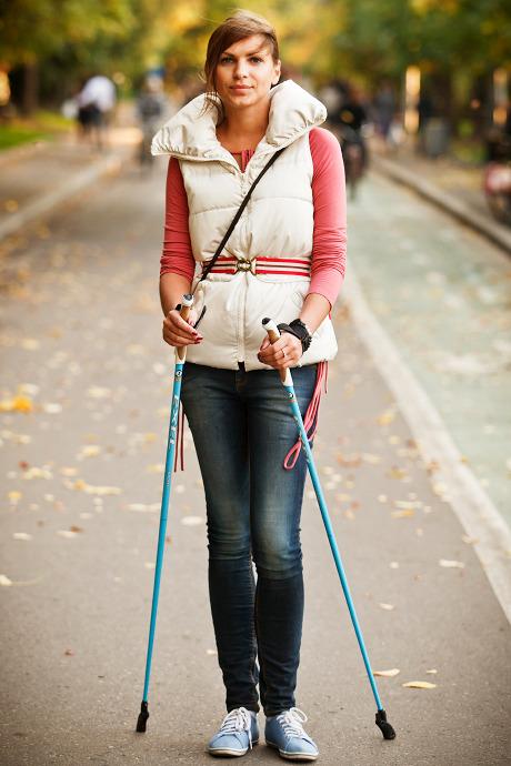 Люди в городе: Кто занимается скандинавской ходьбой. Изображение №17.