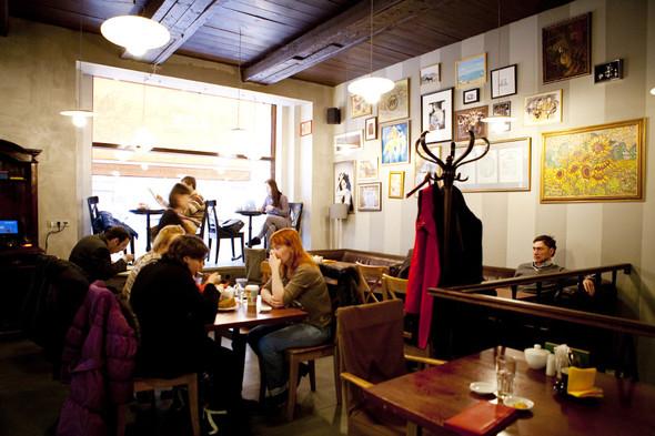 После прочтения съесть: 5 кафе при магазинах. Изображение №44.