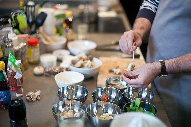 Шеф дома: Том ям и сашими из тунца Геннадия Иозефавичуса. Изображение № 34.