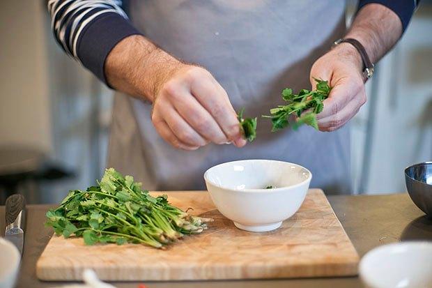 Шеф дома: Том ям и сашими из тунца Геннадия Иозефавичуса. Изображение № 37.