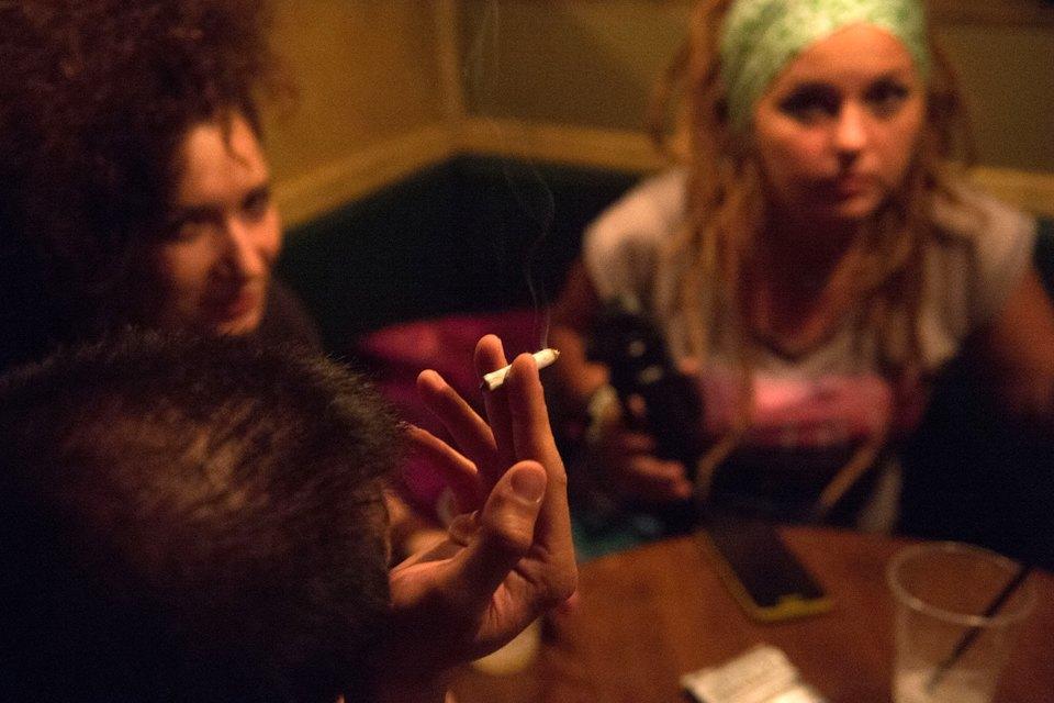 Последний день курения в клубах, ресторанах ибарах. Изображение № 17.