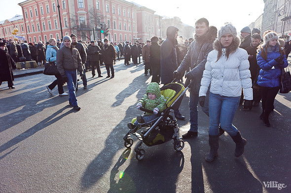 Фоторепортаж: Митинг в поддержку Путина в Петербурге. Изображение № 47.