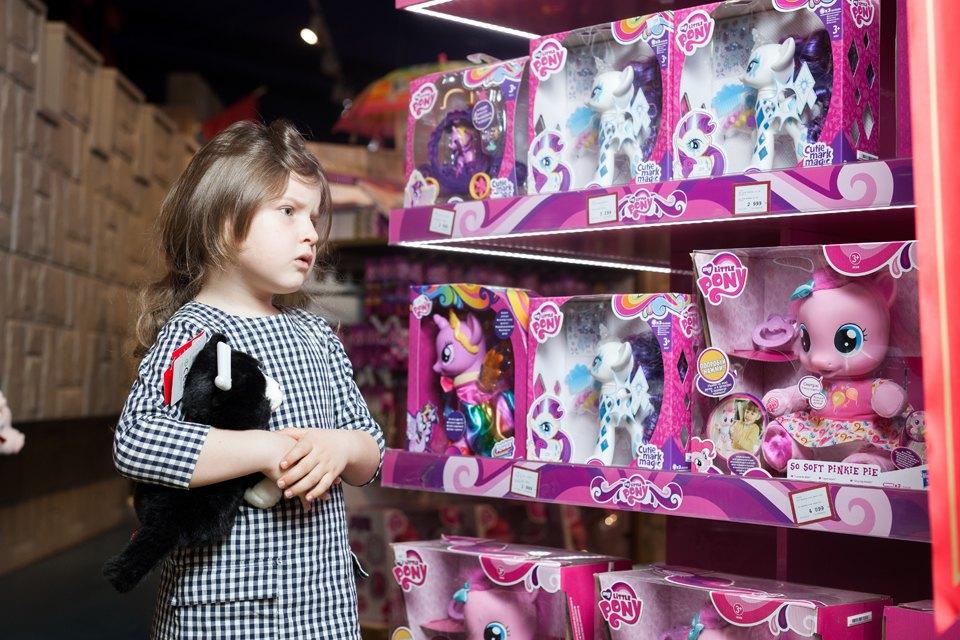 Эксперимент: Что купят на 5000 рублей дети и взрослые в самом большом детском магазине. Изображение № 33.