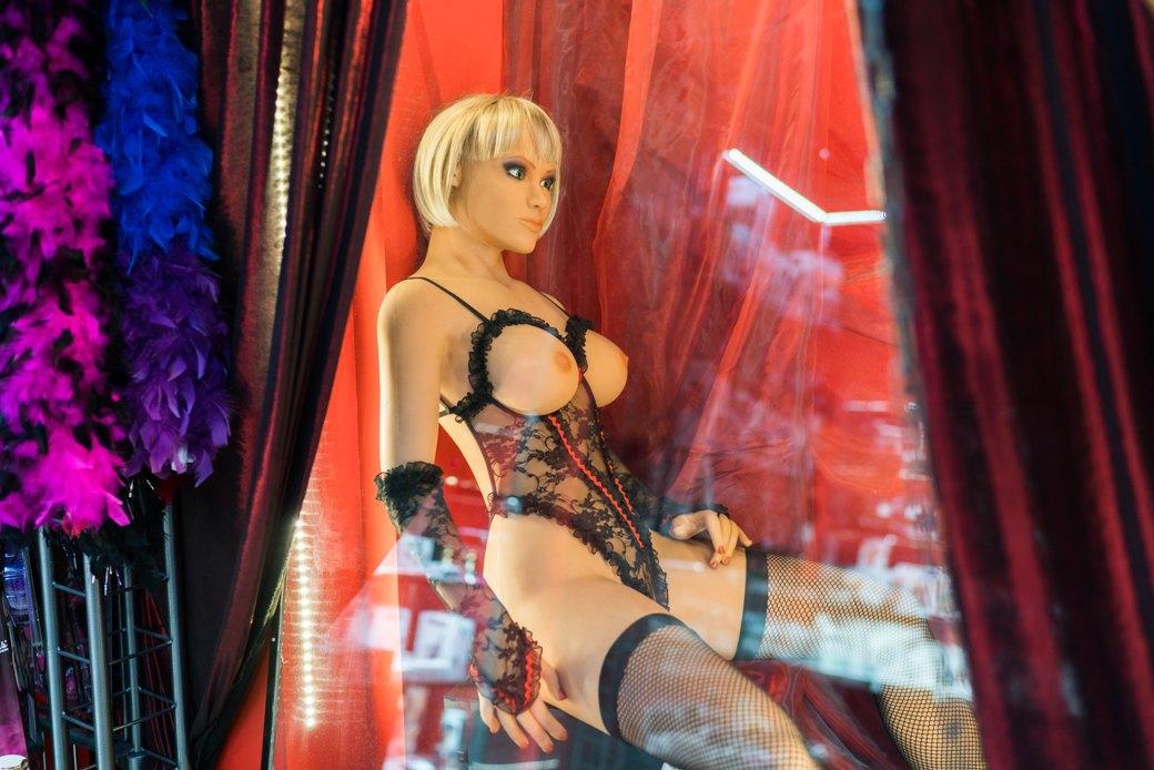 Лучшие секс-шопы Москвы: Куда идти за боа в перьях, стеками иновыми впечатлениями. Изображение № 42.