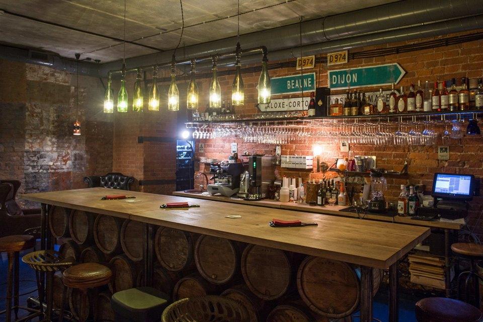 Винный бар «74» на Васильевском острове. Изображение № 1.