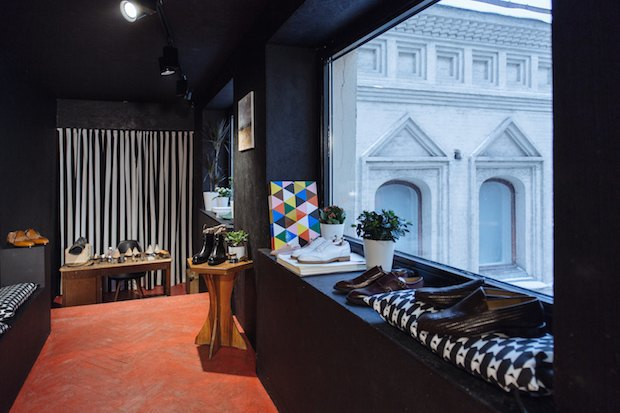 На «Тверской» открылась обувная мастерская имагазин Gottlieb Schwarz. Изображение № 4.