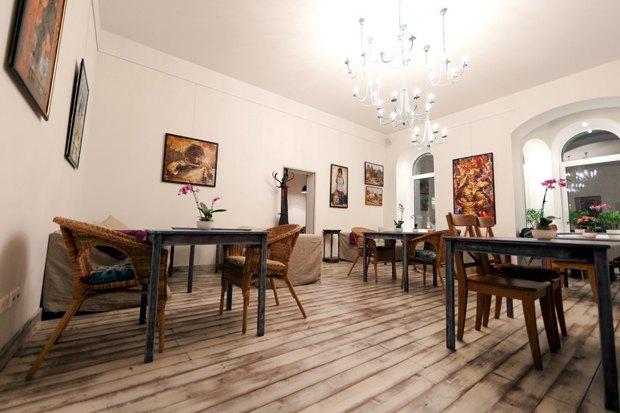 На Льва Толстого открылся коворкинг скафе истудией йоги. Изображение № 3.