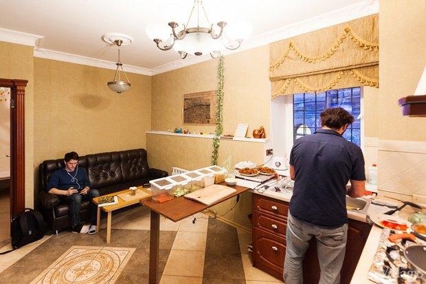 Все свои: Вегетарианское кафе в квартире на Думской. Изображение № 7.