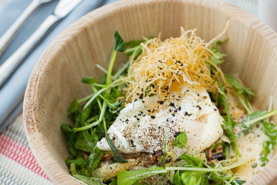 Салат с зубаткой, яйцом пашот и картофелем — 390 рублей . Изображение № 24.