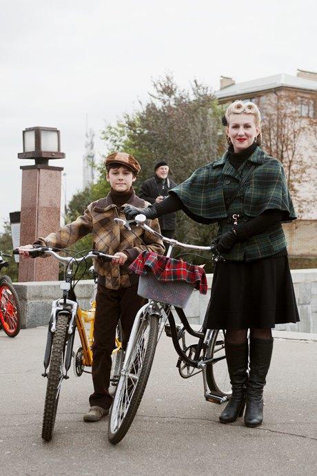 Твид выходного дня: Участники ретрокруиза — о своей одежде и велосипедах. Изображение № 17.