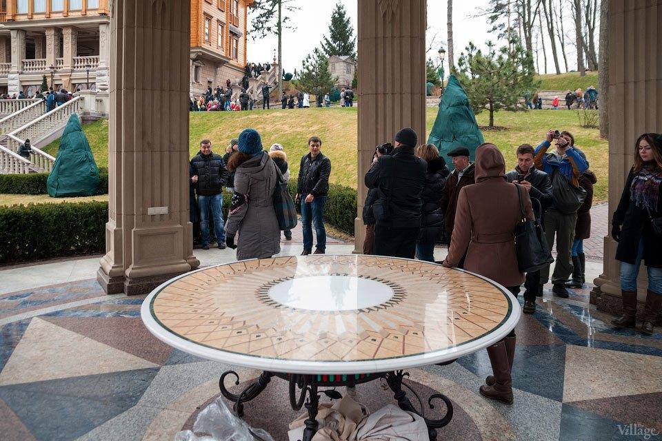 Народное движение: За чем едут в резиденцию Виктора Януковича. Изображение № 15.
