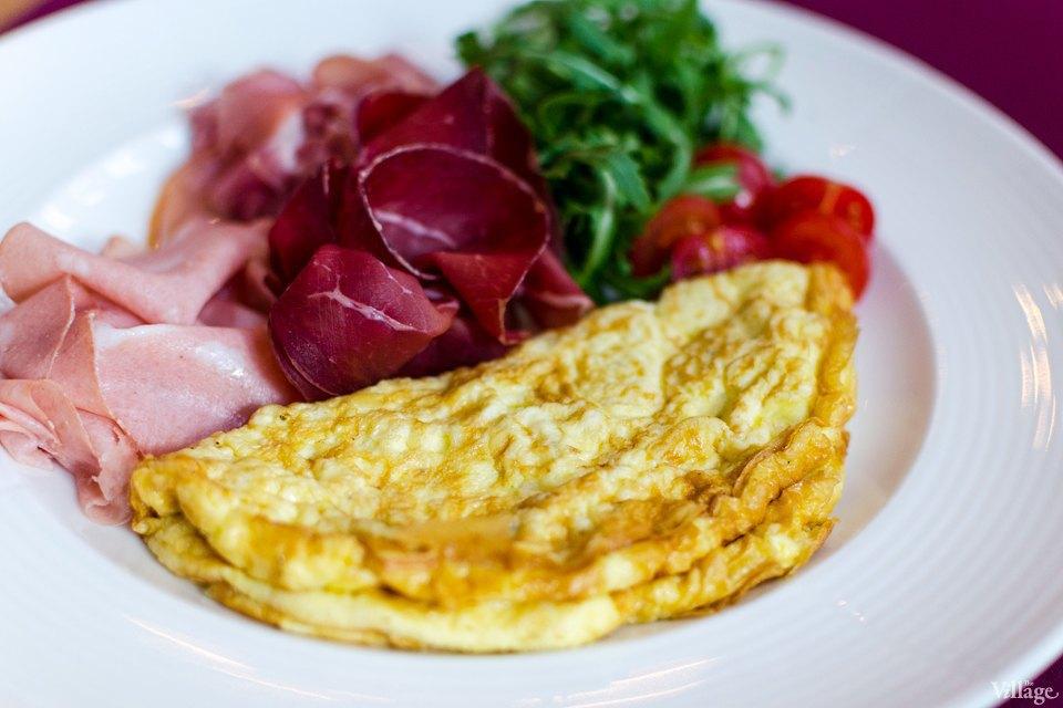 Омлет с итальянскими колбасами — 41 грн.. Изображение № 6.