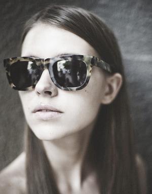 На полках: Магазин очков и оправ Hello Glasses. Зображення № 10.