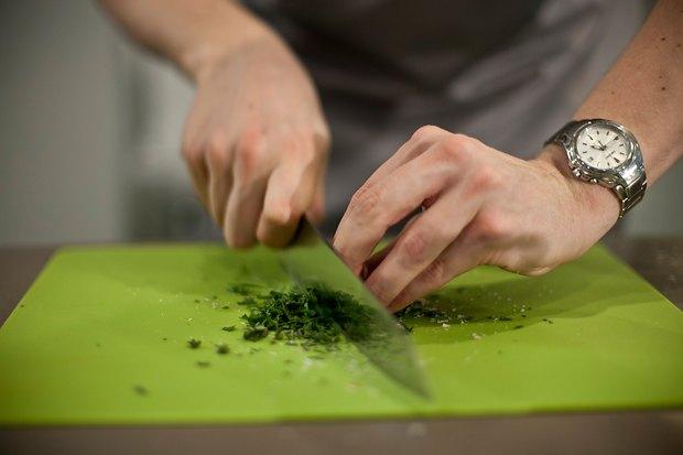 Шеф дома: Ягненок, хумус иоблепиховый десерт шефа «Стрелки». Изображение № 28.