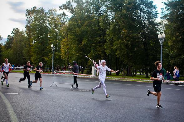 Бег с ними: В Москве прошел марафон Run Moscow. Изображение № 7.