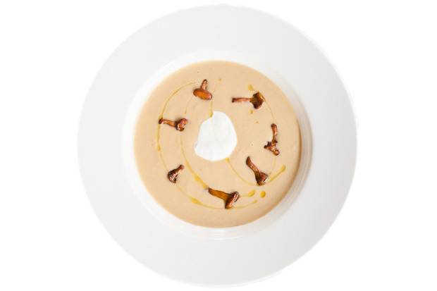 Сезонное меню: Блюда с лисичками в ресторанах Петербурга. Изображение №19.