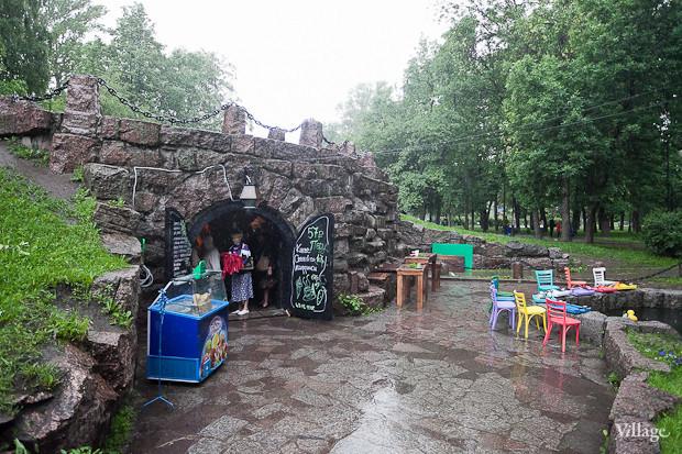 Семейная кофейня «БольшеКофе!» открылась в гроте Александровского парка. Изображение № 12.