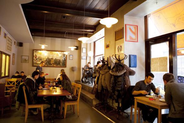 После прочтения съесть: 5 кафе при магазинах. Изображение № 48.