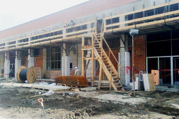 В Сети появились фотографии наземного вестибюля «Спасской». Изображение № 1.
