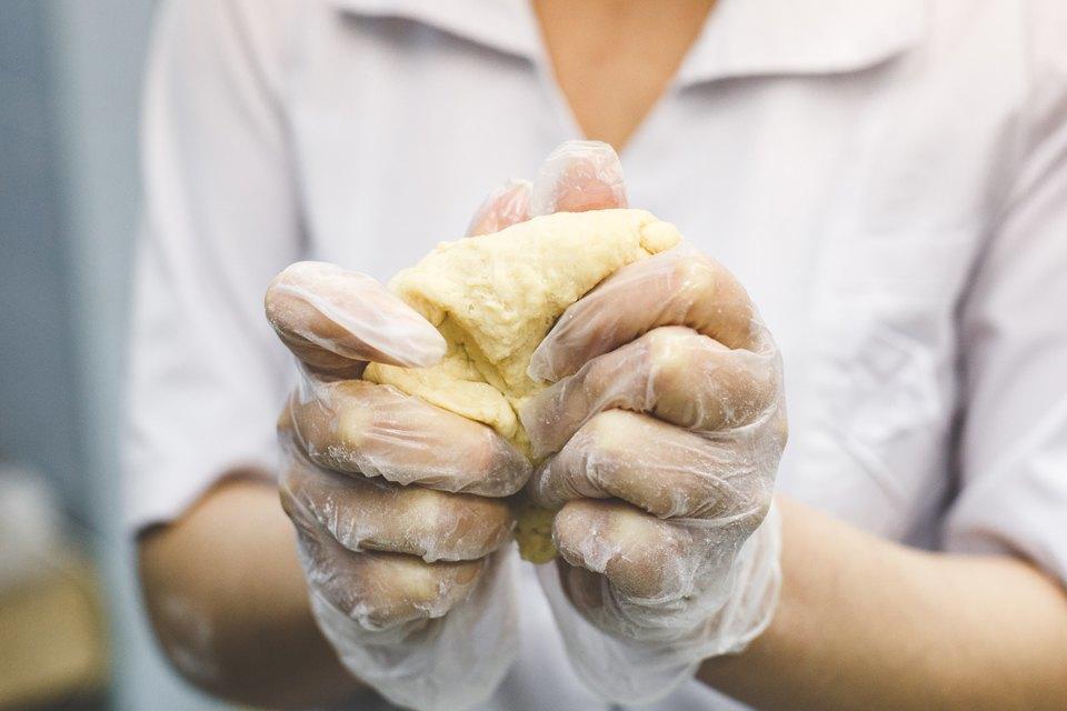 Производственный процесс: Как готовят кошерный хлеб. Изображение № 14.