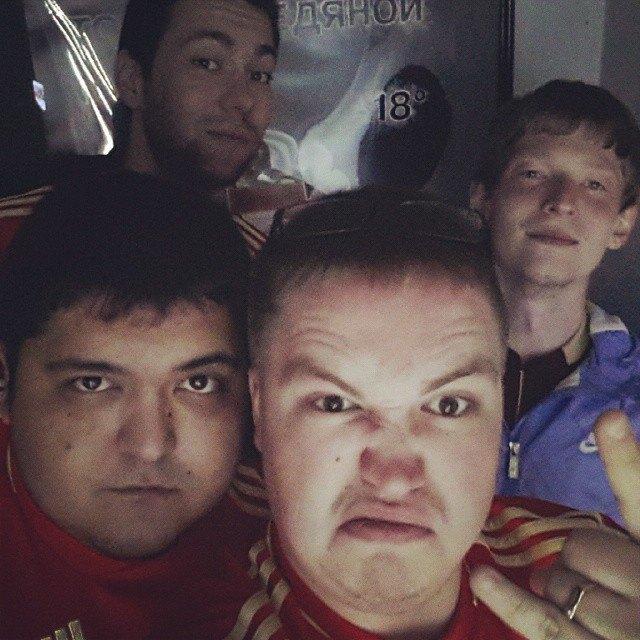 Что делали этой ночью российские болельщики. Изображение № 18.