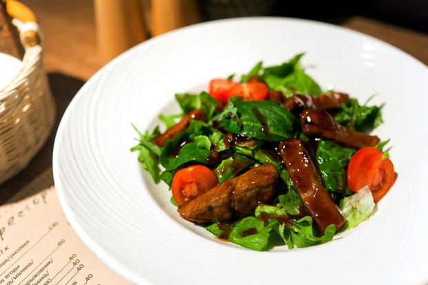 Тайский салат с говядиной — 350 рублей. Изображение № 24.