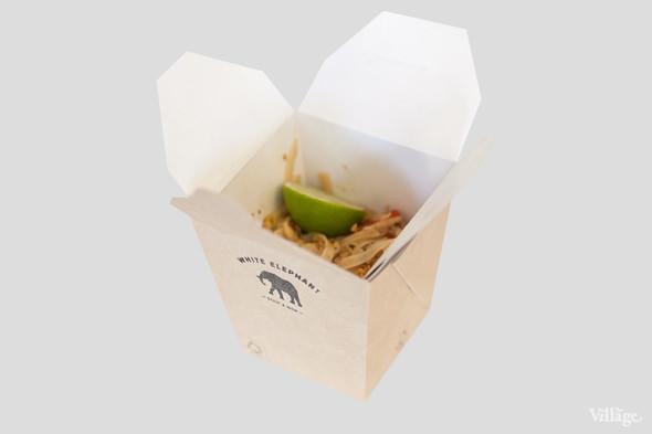 Рисовая лапша с тигровыми креветками и овощами — 410 рублей. Изображение № 6.